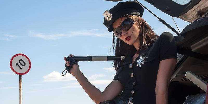 Polizistin ficken